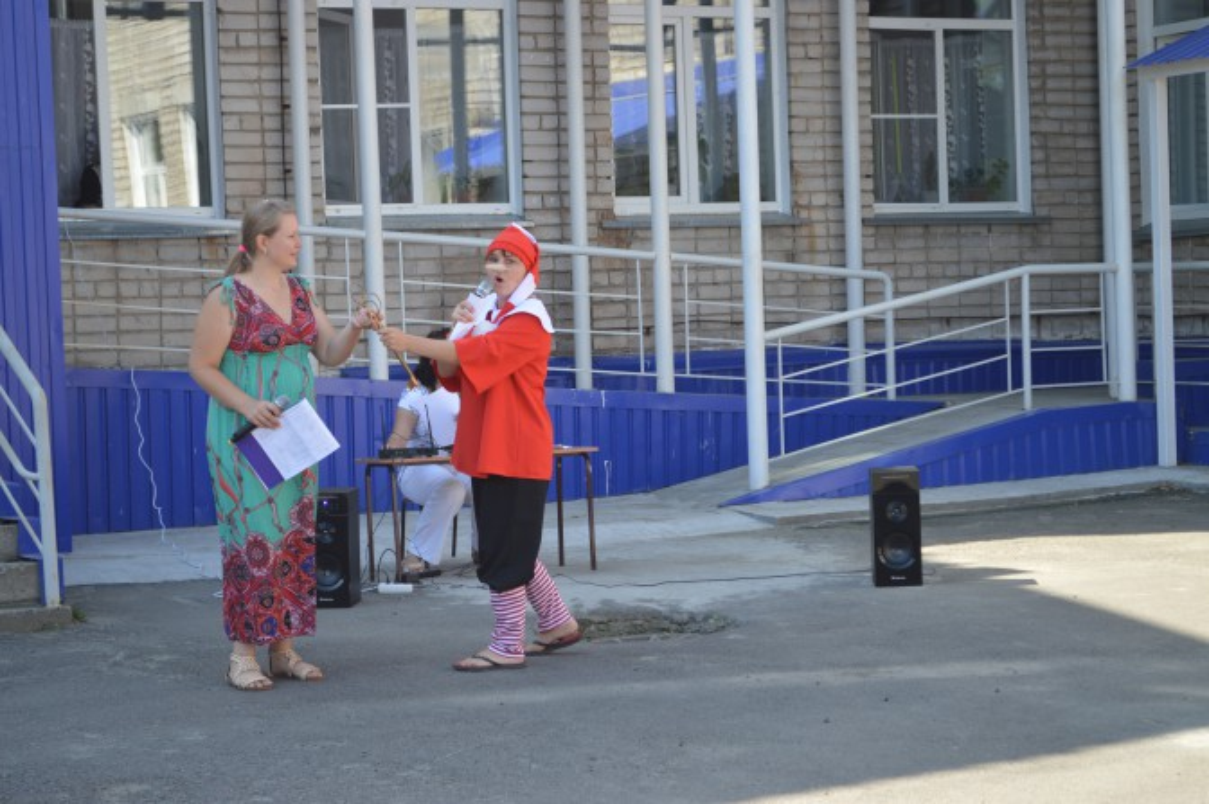 Сценарий летнего развлечения на участке детского сада «Путешествие в сказочную страну»