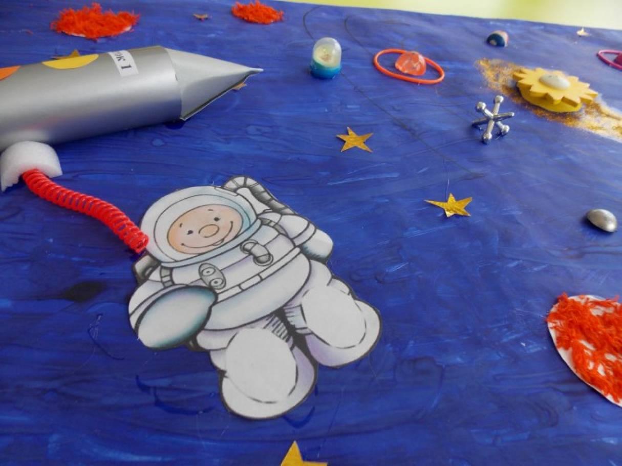 Картинки с аппликациями ко дню космонавтики, прикольные днем