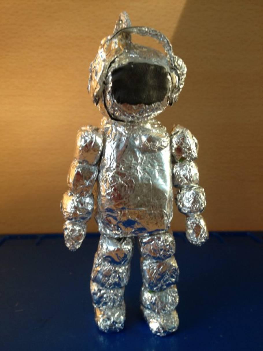 Космонавт из фольги картинки