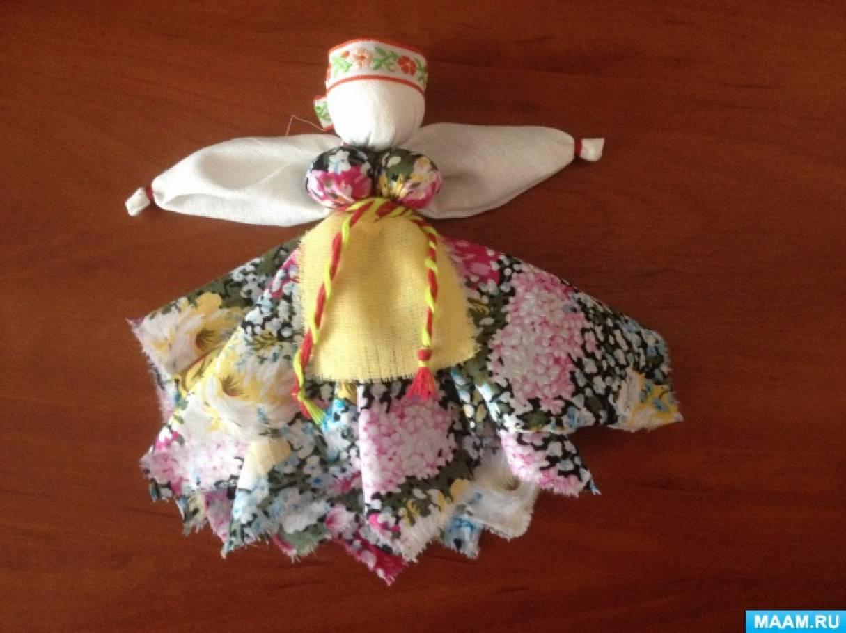 Куклы-обереги: куклы из дерева, соломы, ниток, ловушки снов, желанницы.