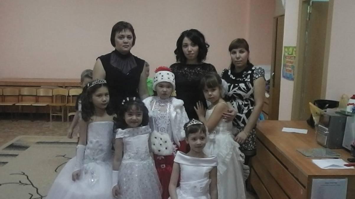 Сценарий новогоднего утренника в подготовительной к школе группе по сказке «Снежная королева»