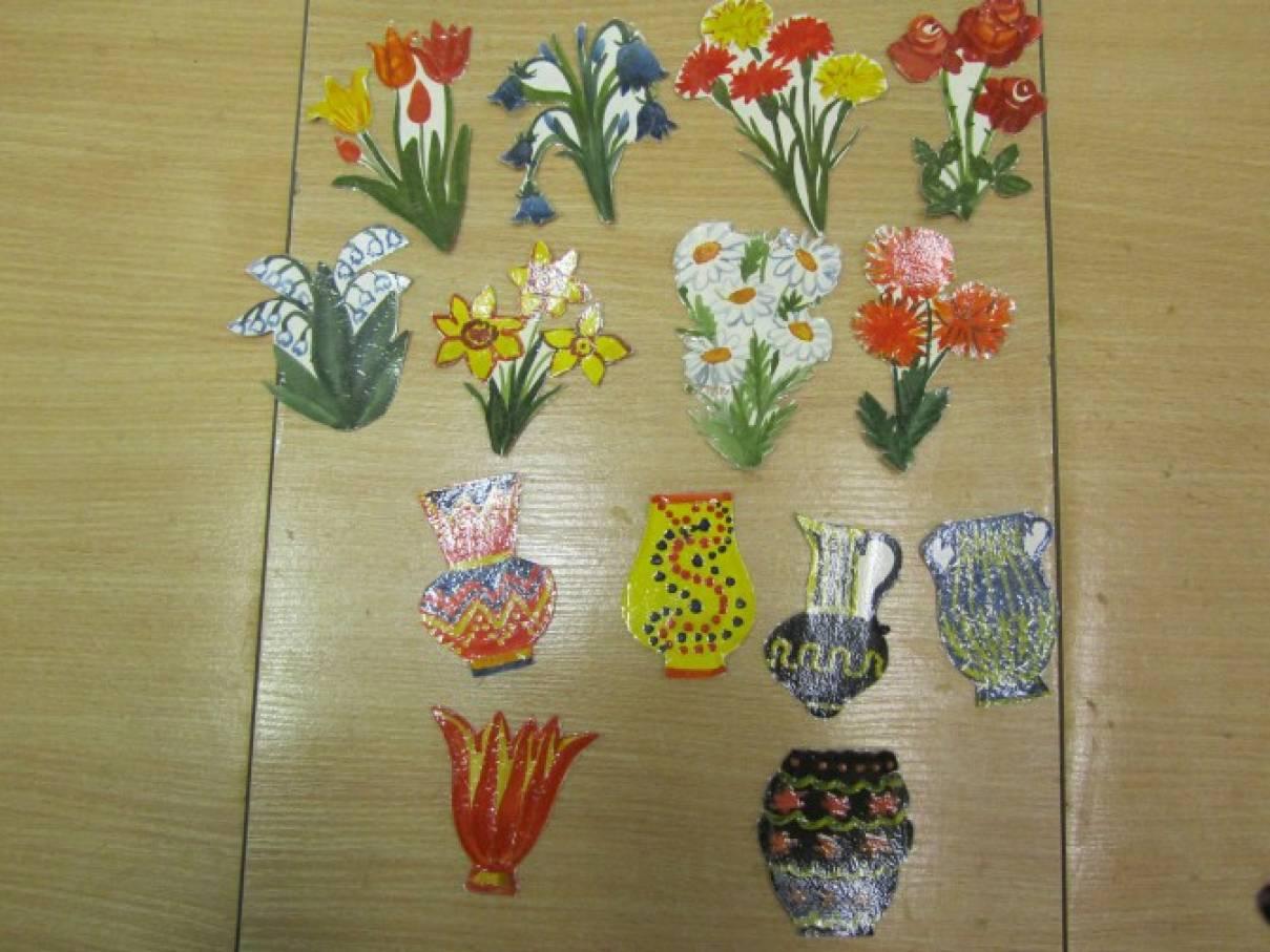 Игры по изобразительной деятельности «Подбери вазу для букета», «Найди крылья для бабочки», «Четыре портрета»