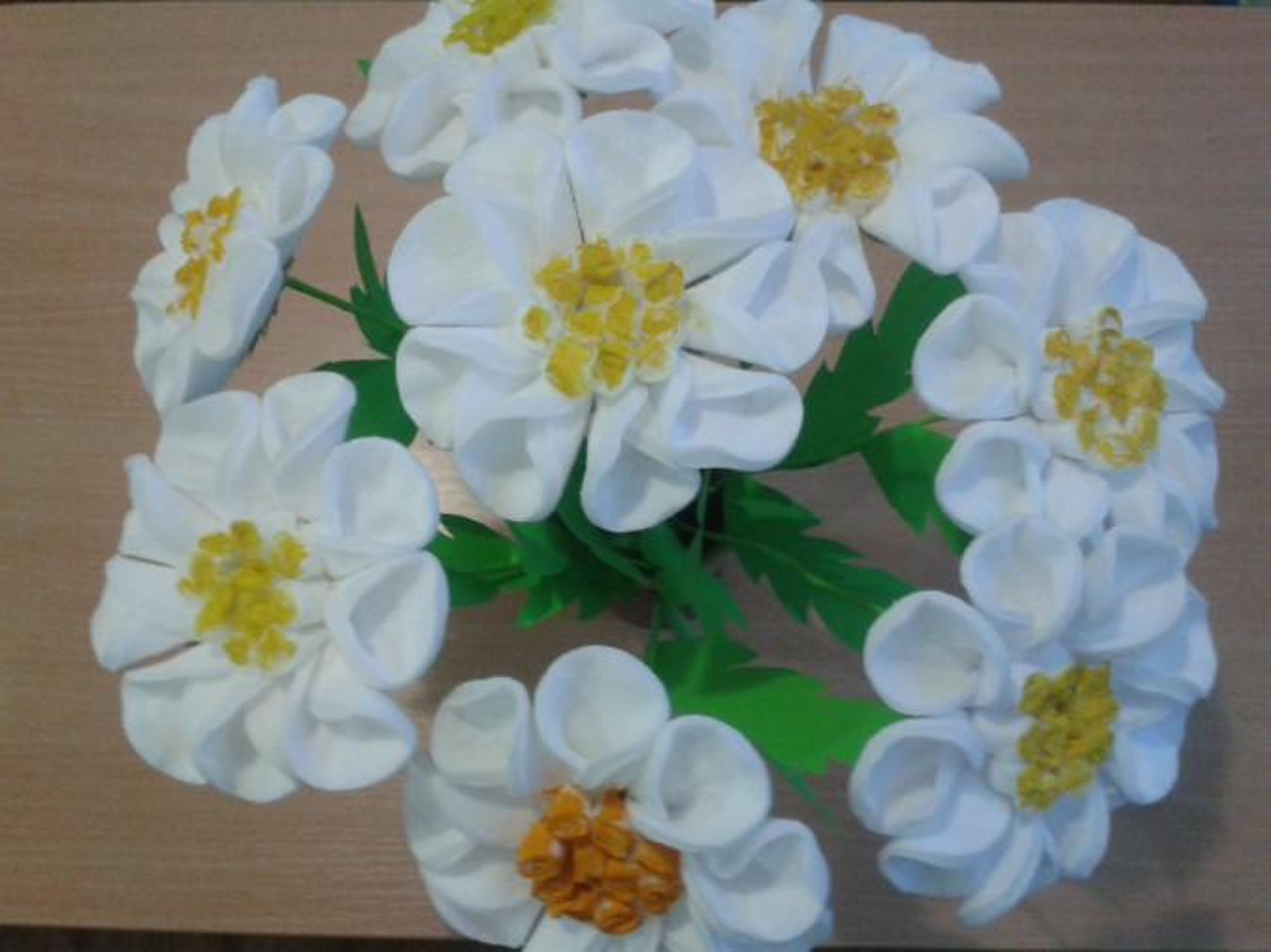 Панно из цветов из ватных дисков своими руками 28