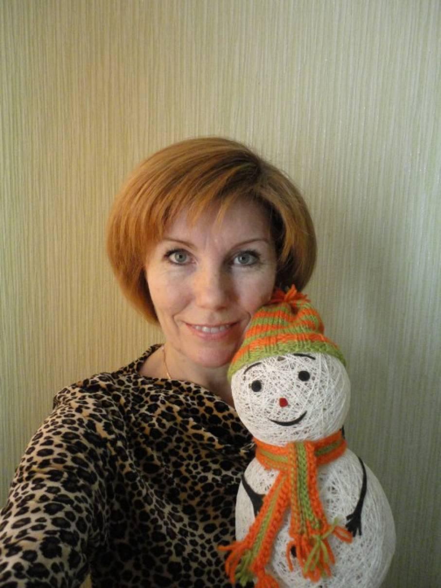 «Снеговик— храбрый, добрый почтовик». Мастер-класс по изготовлению снеговика из ниток и шариков»