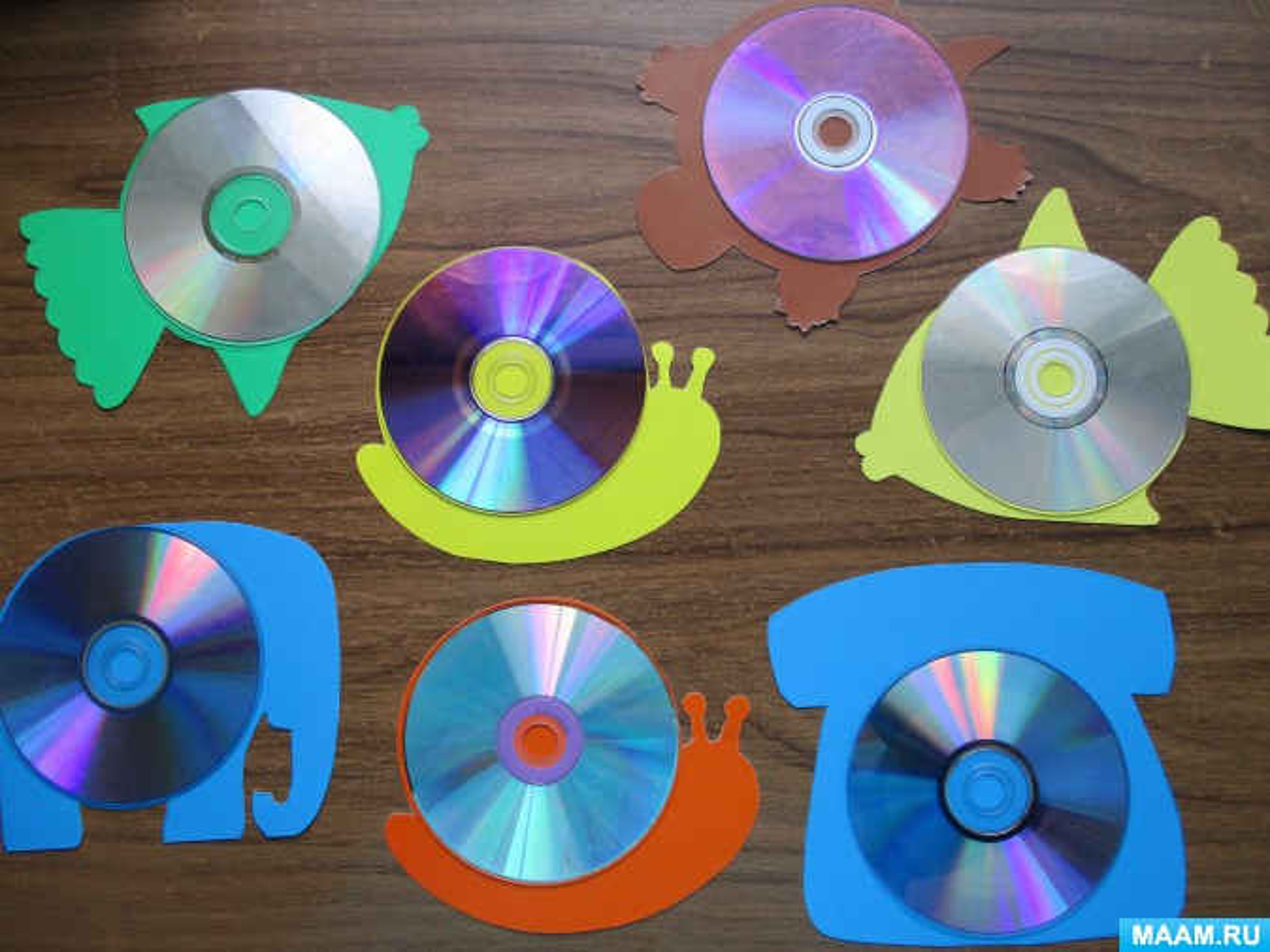 Поделка из компакт дисков своими руками на участке