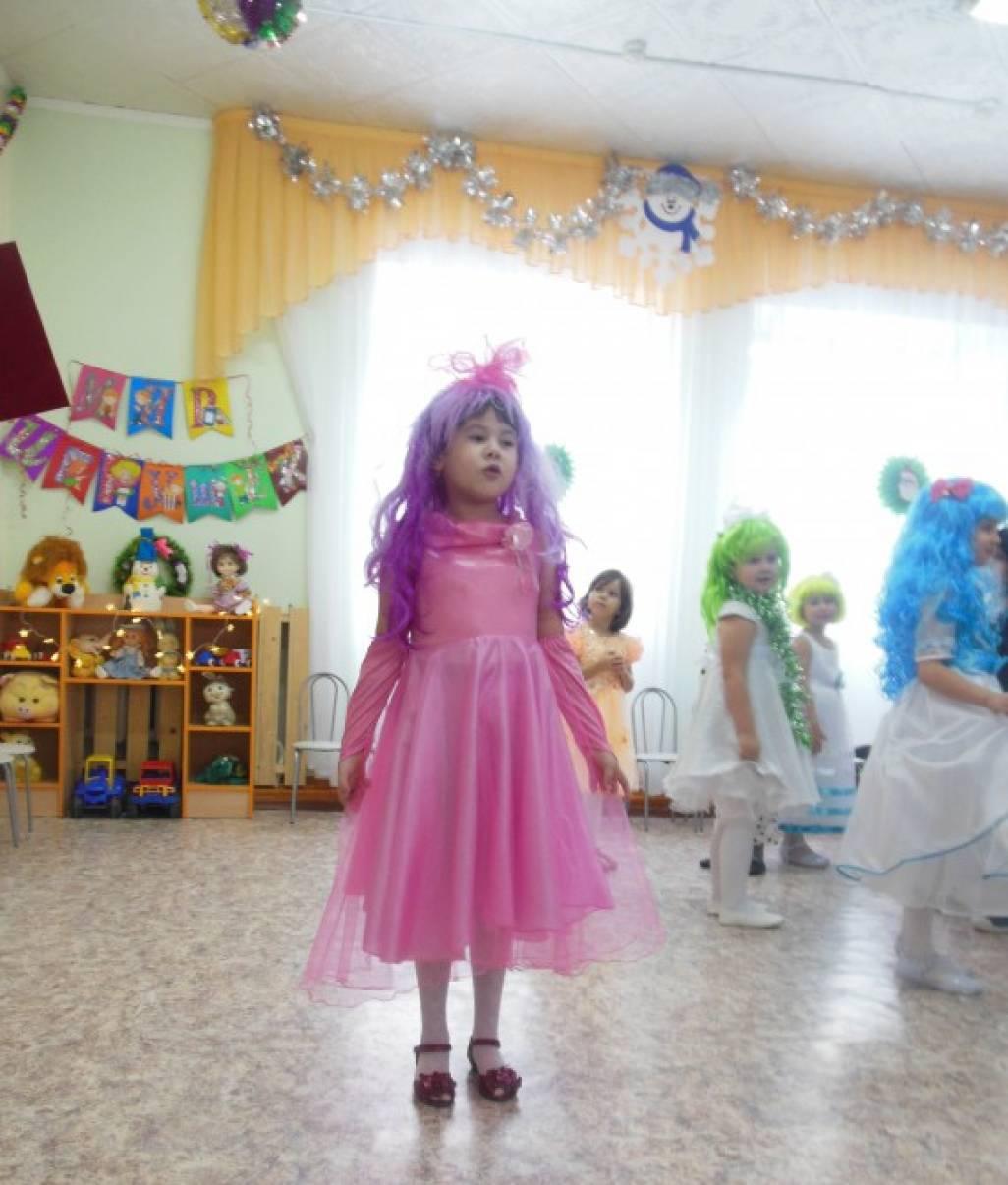Новогодний карнавал сценарий утренника