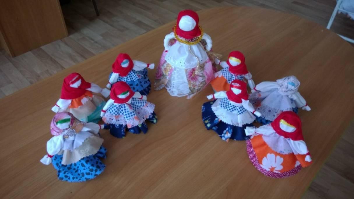 знакомство детей с народной куклой