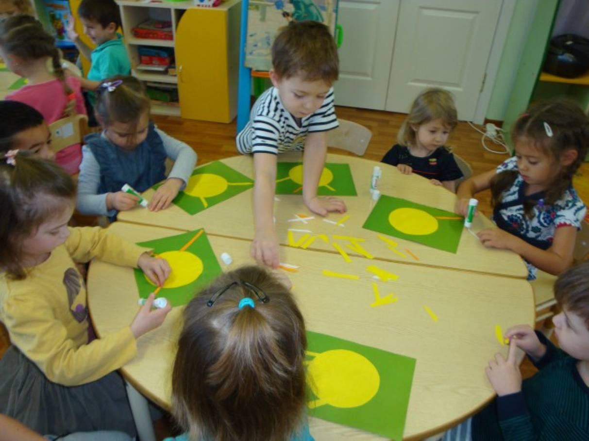 Стихи о том как дети рисуют в детском саду
