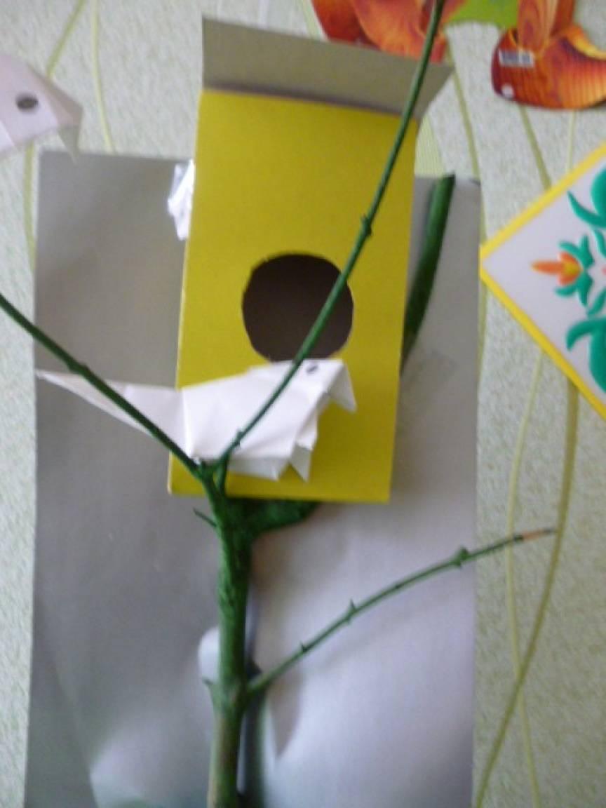 Мастер-класс «Птицы». Работа сделана из цветного картона и цветной бумаги