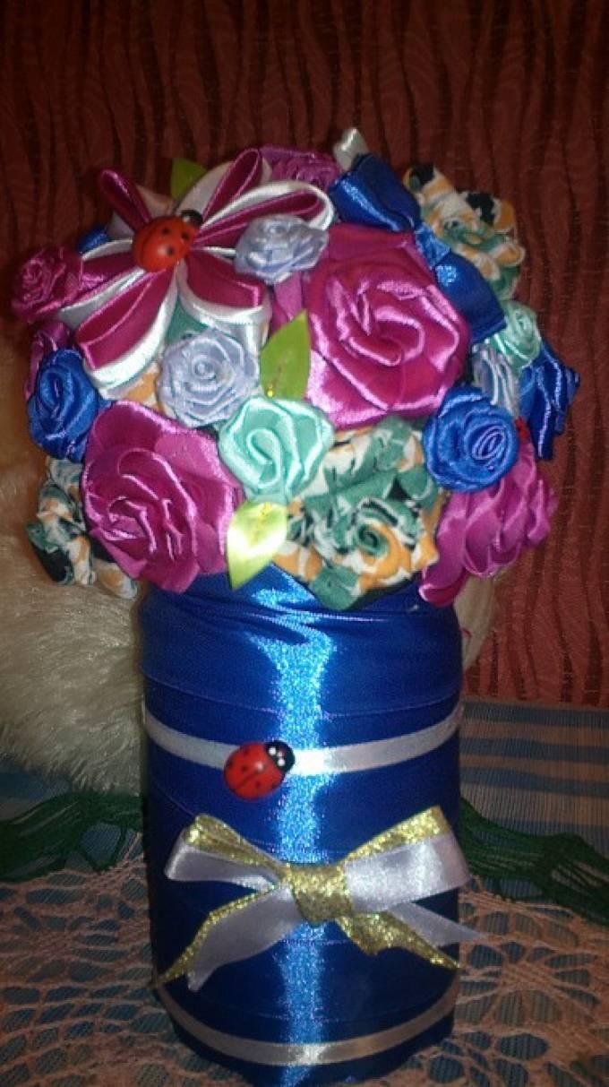Мастер-класс из атласных лент «Ваза с вечноцветущими цветами»