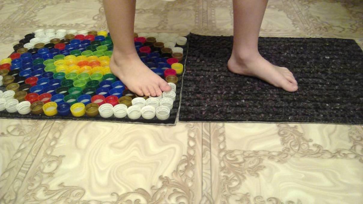 Массажный коврик для детей при плоскостопии своими руками