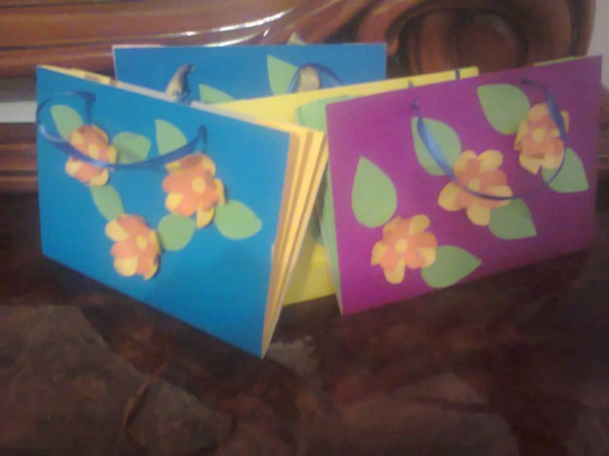 f84eb2609e17 Мастер-класс из бумаги «Сумочка для мам к 8 марта». Воспитателям ...