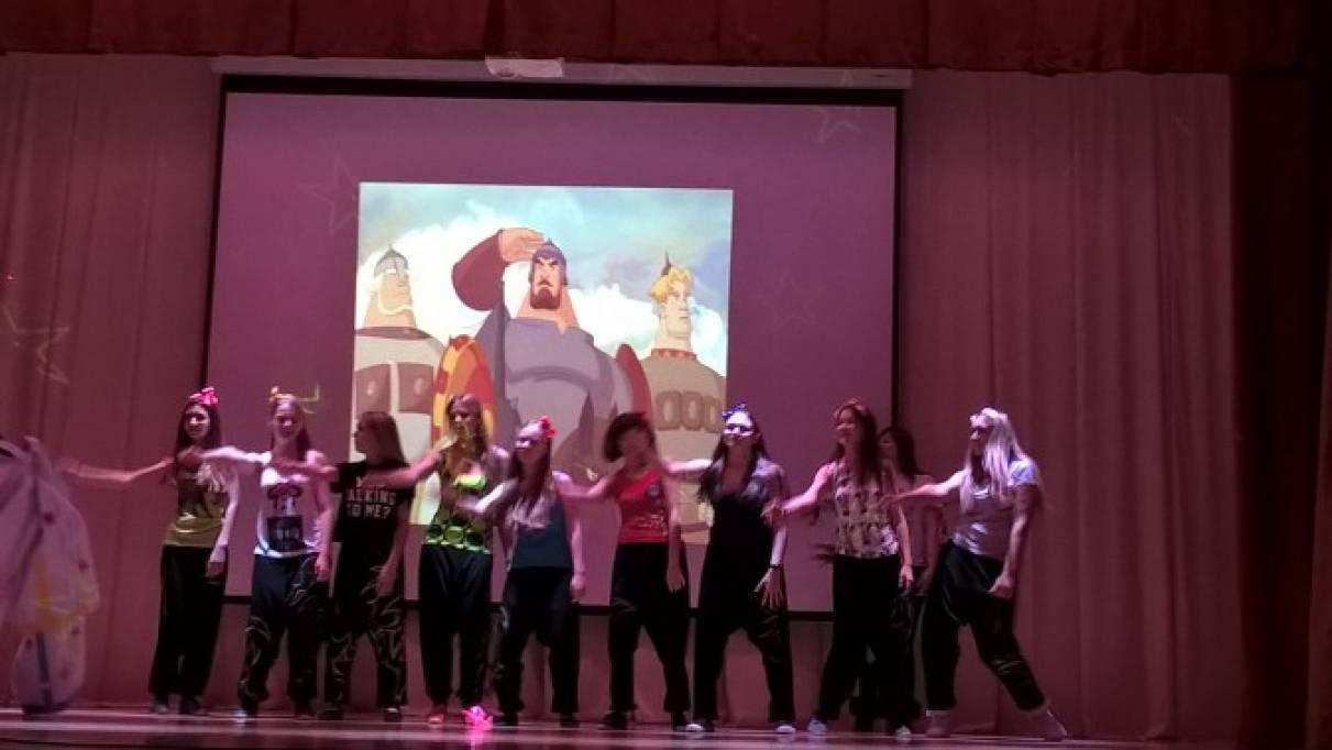 Сценарий осеннего бала для учащихся 9–11 классов «Бал литературных героев»
