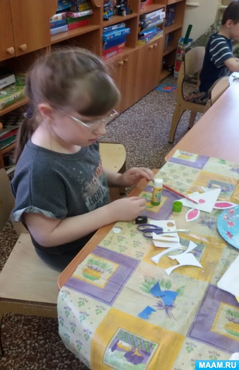 Конспект занятия по оригами «Закладки «Смешные рожицы» для детей подготовительной группы