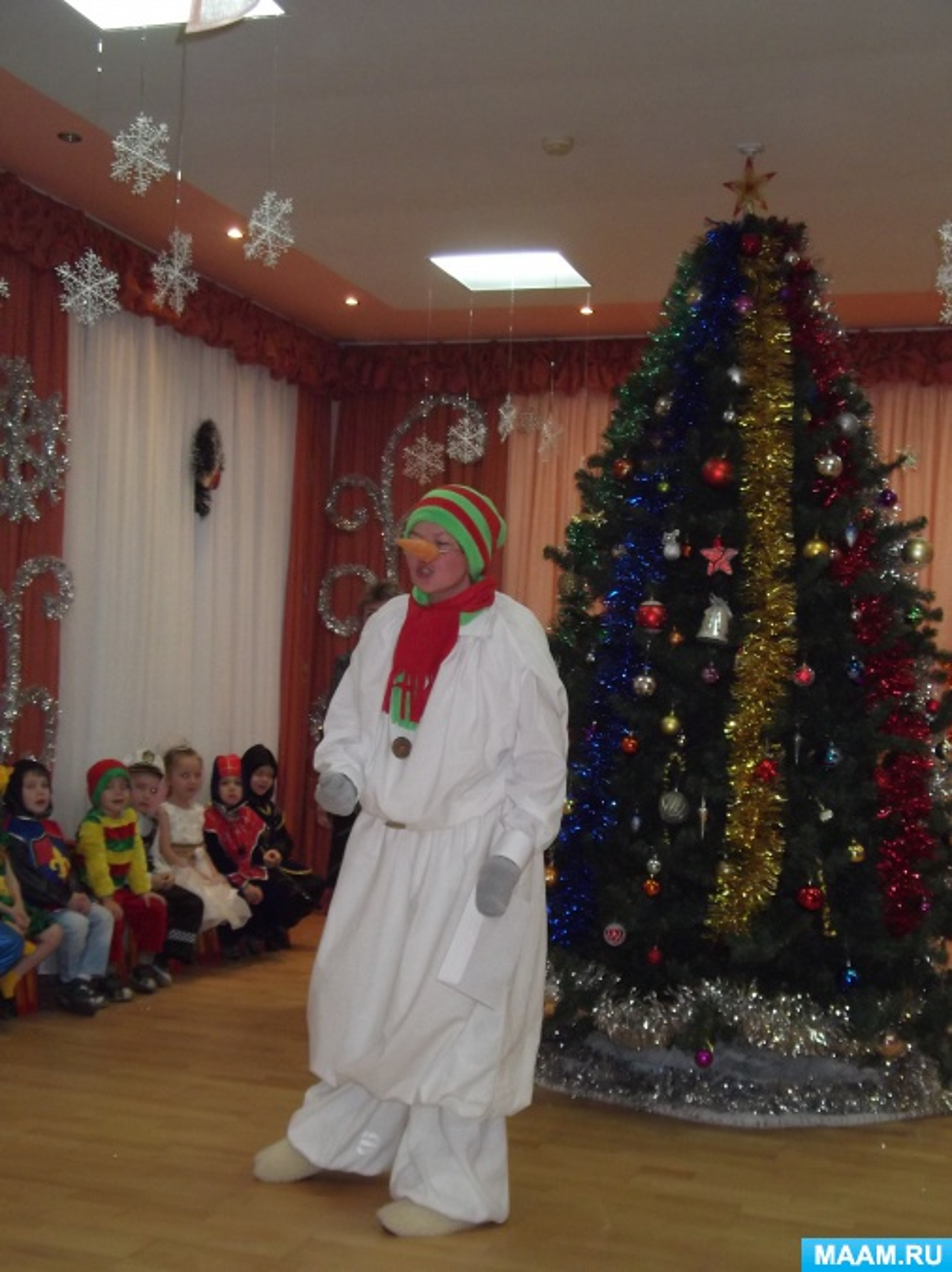 Сценарий новогоднего утренника в средней группе «Чудеса под ёлкой»