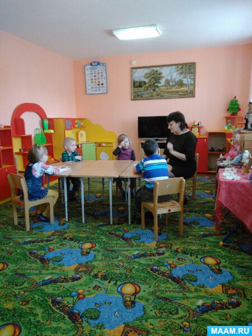 Конспект занятия по художественному творчеству для детей средней группы с ЗПР «Подарки от бабушки Арины»
