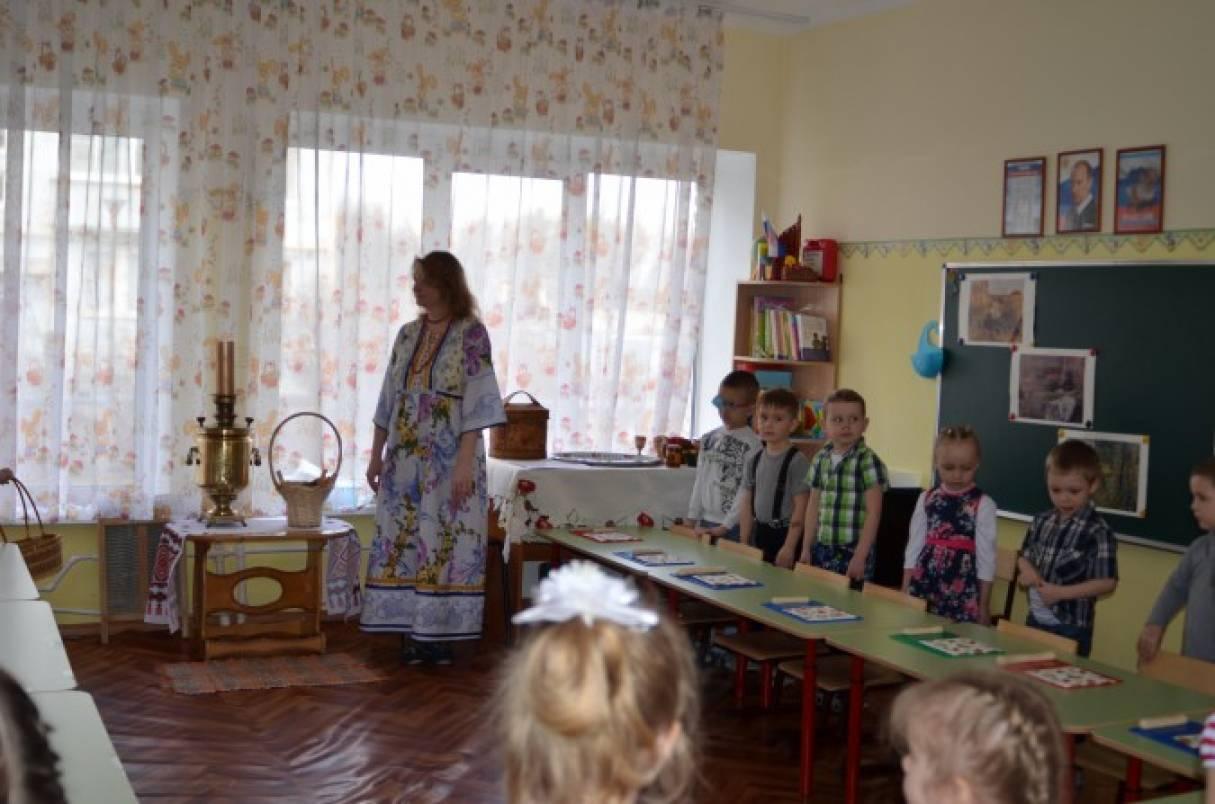 познакомить детей с русским народным творчеством