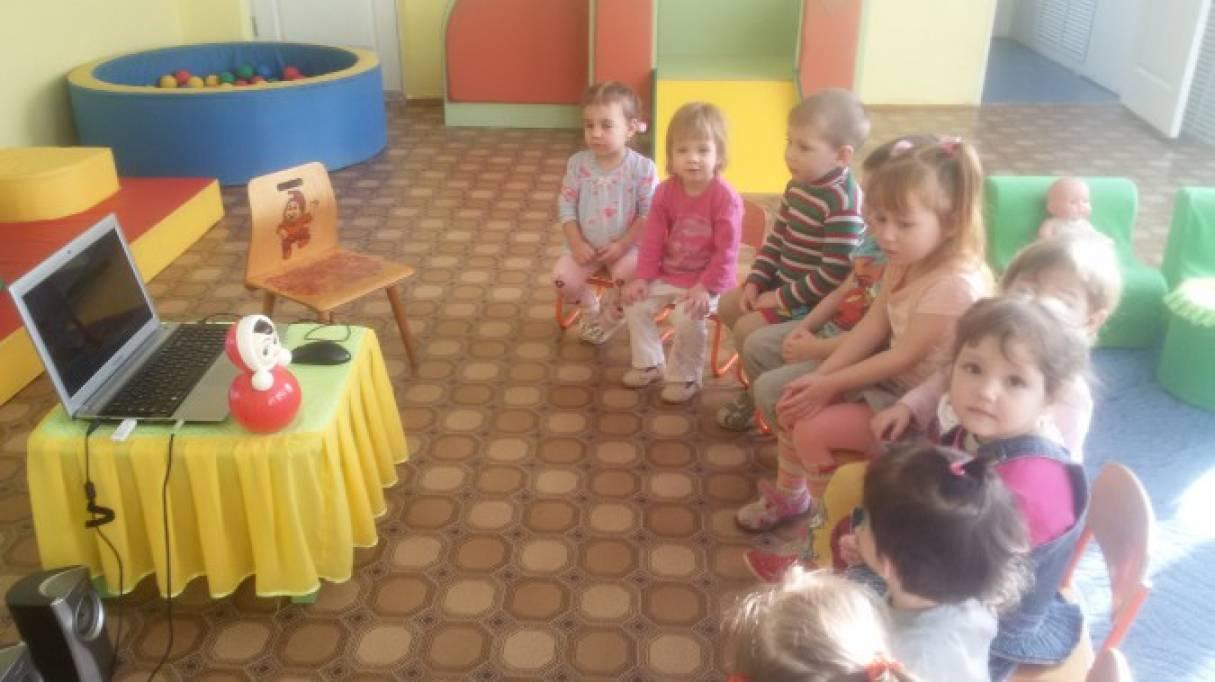познакомить детей с игрушкой сувенир