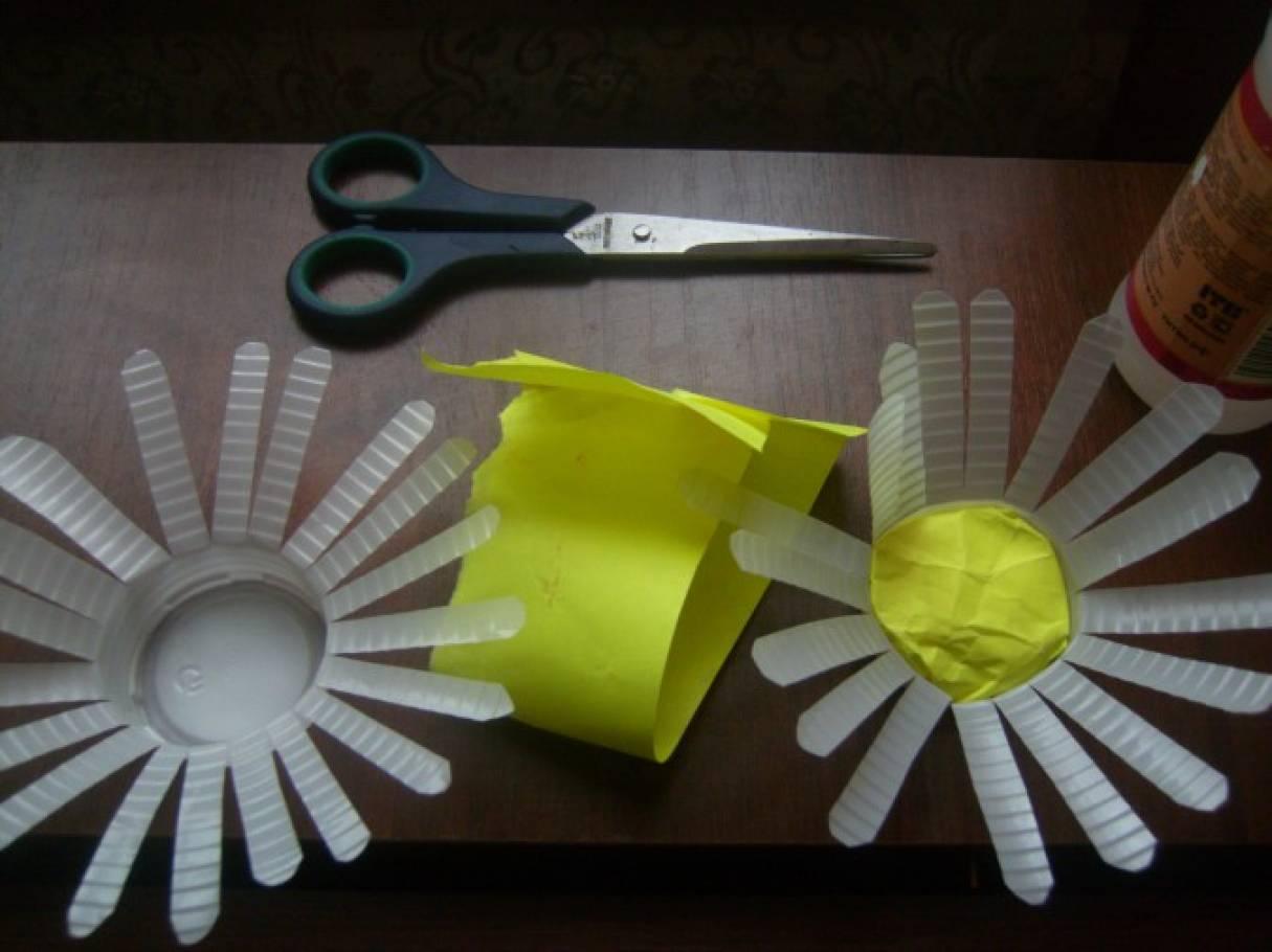 Поделки из пластиковых стаканов мастер класс