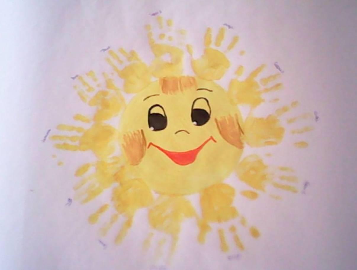 Мастер-класс по коллективному рисованию ладошками в первой младшей группе «Солнышко»