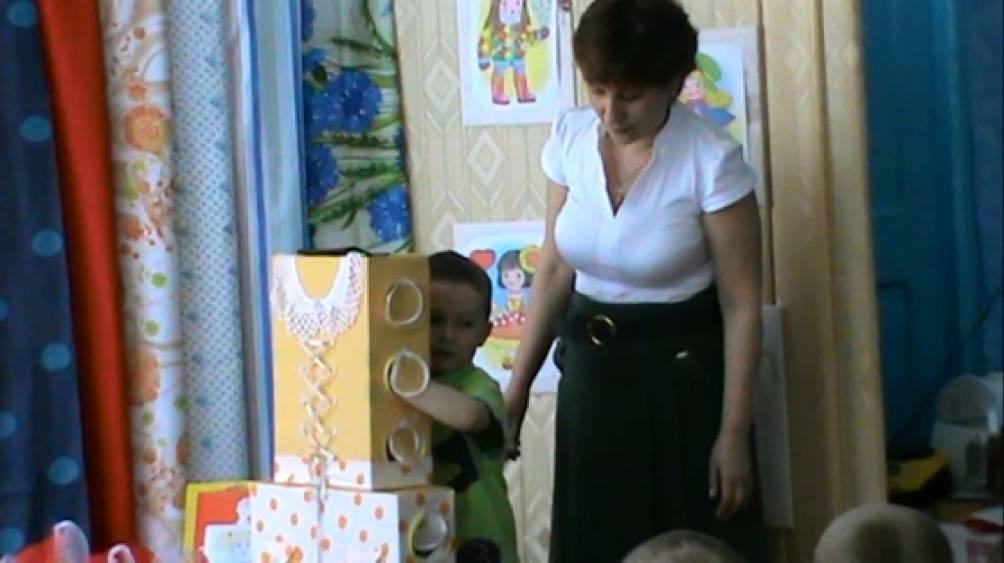 знакомство детей со свойствами тканей