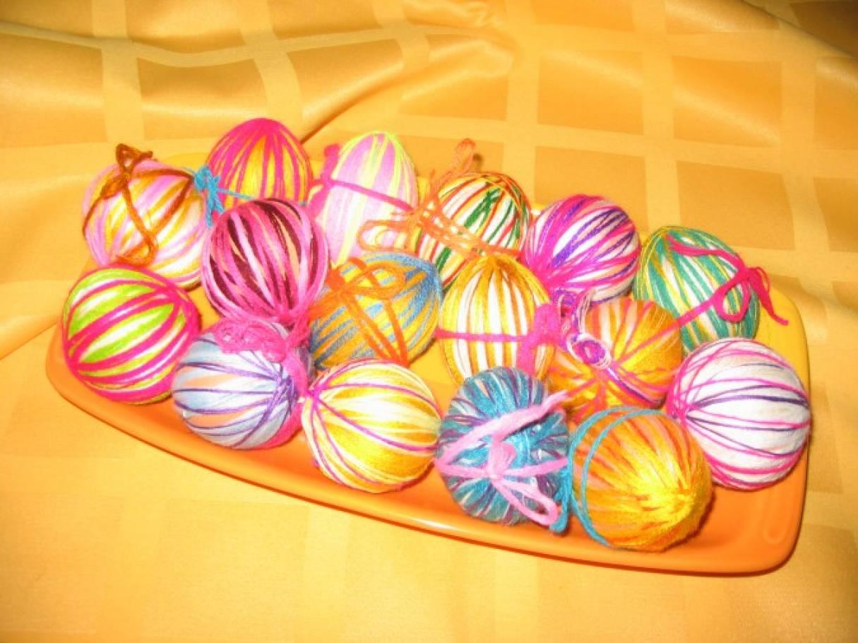 Народные традиции. Пасха. Декорирование яиц нитками