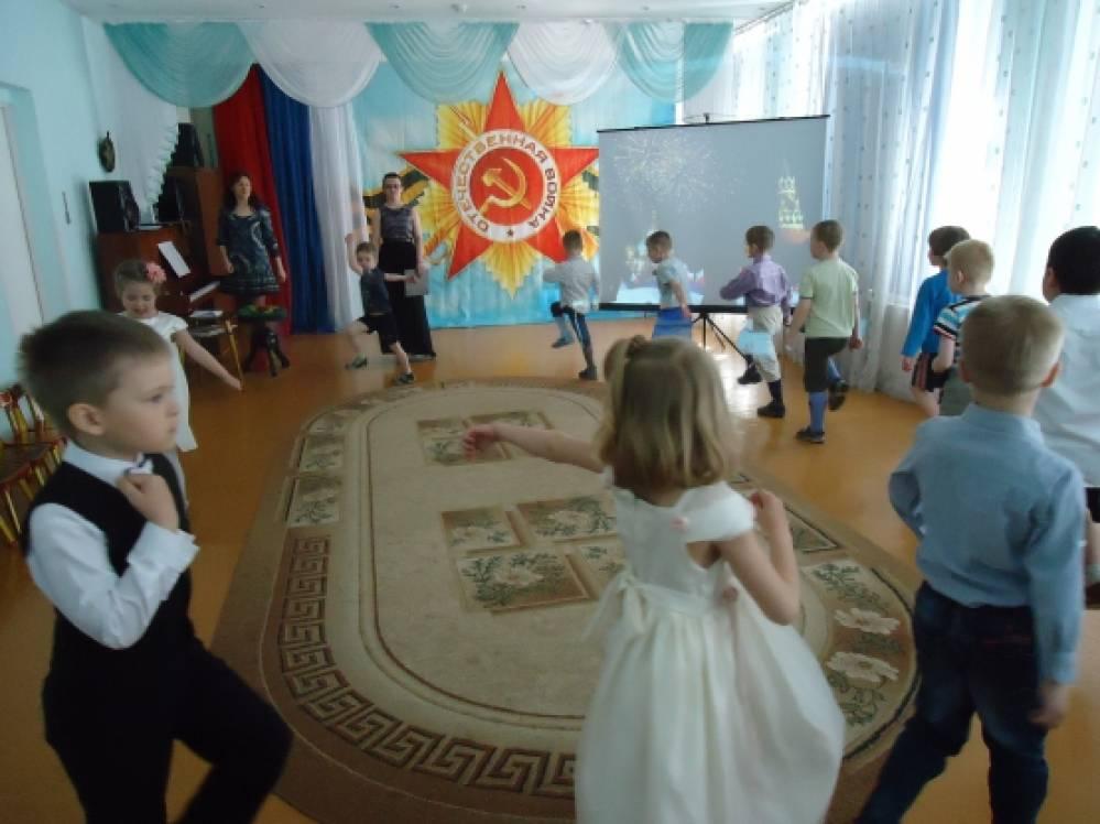 Сценарий проведения праздника 8 марта в школах