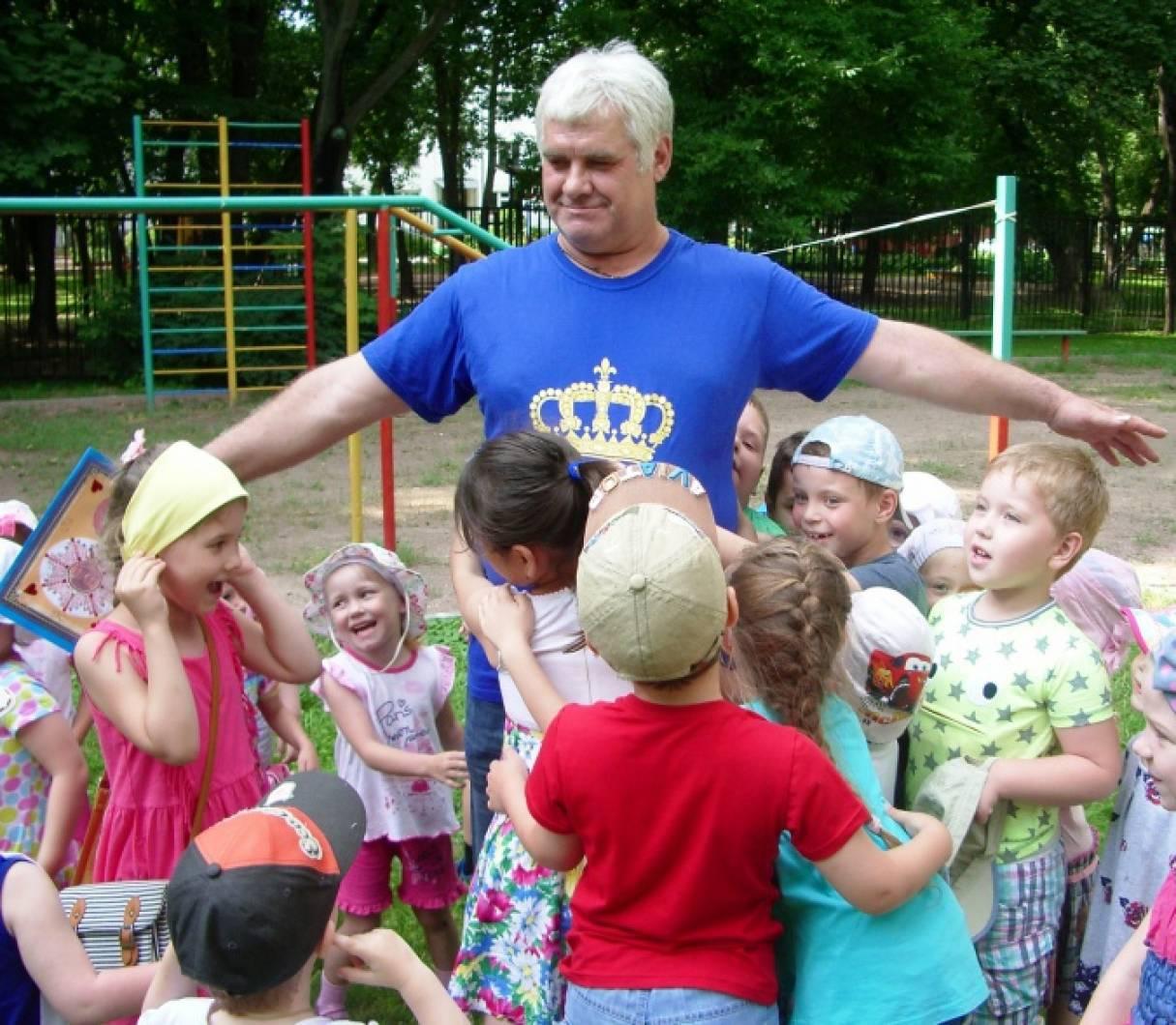 как лучше знакомиться с детьми в детском саду