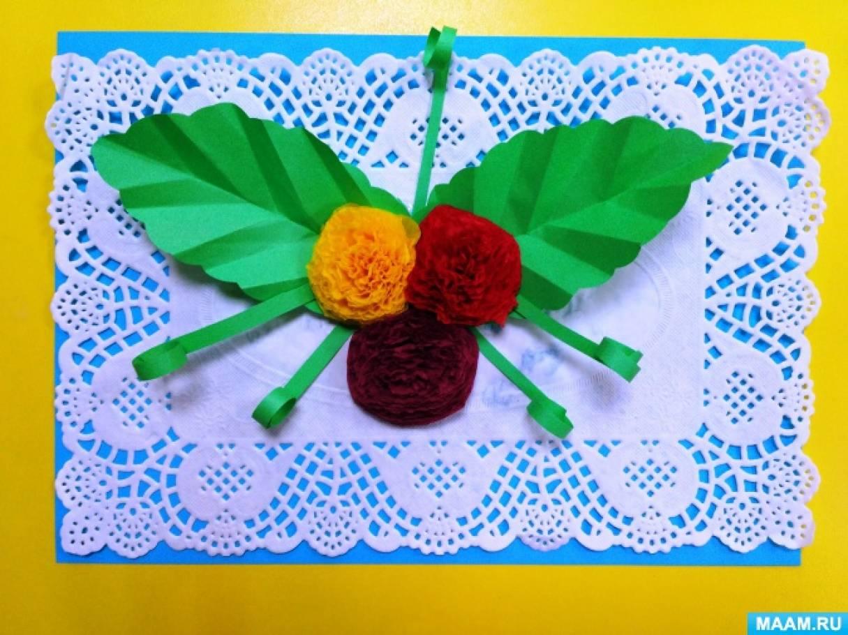 Мастер-класс по изготовлению объемной открытки для мамы своими руками «Цветы из цветных салфеток»