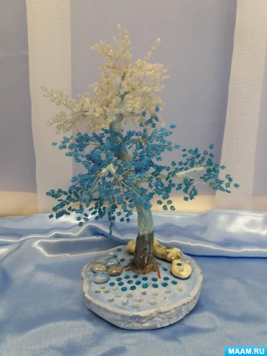 Фотоотчёт о выставке поделок «Укутала снегом деревья зима»