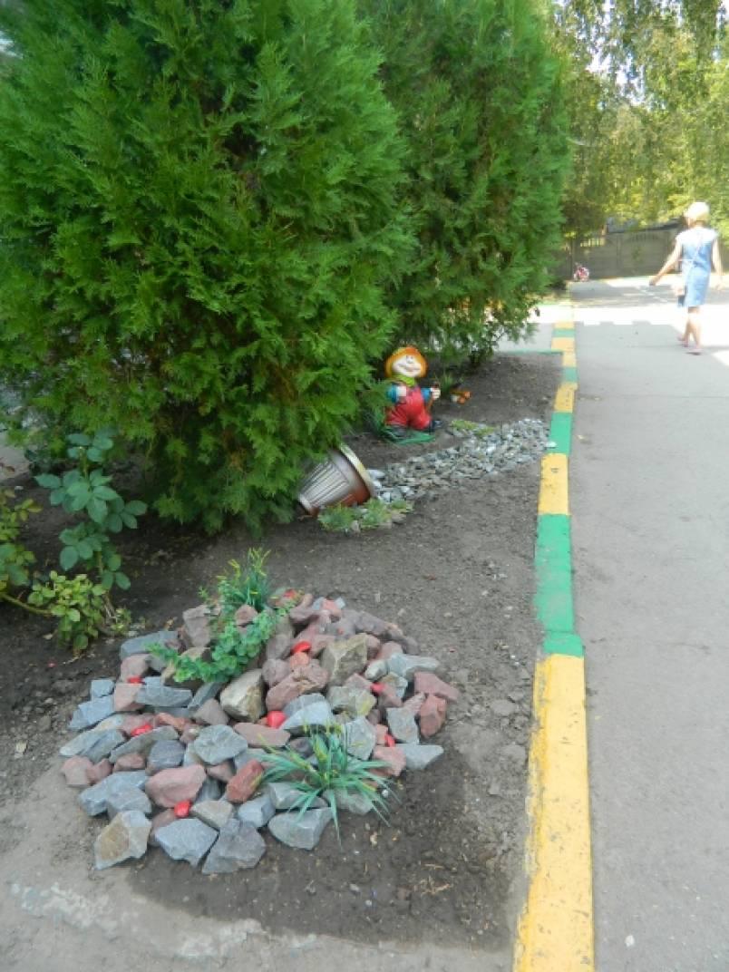 426Оформление клумб в детском саду летом фото своими руками