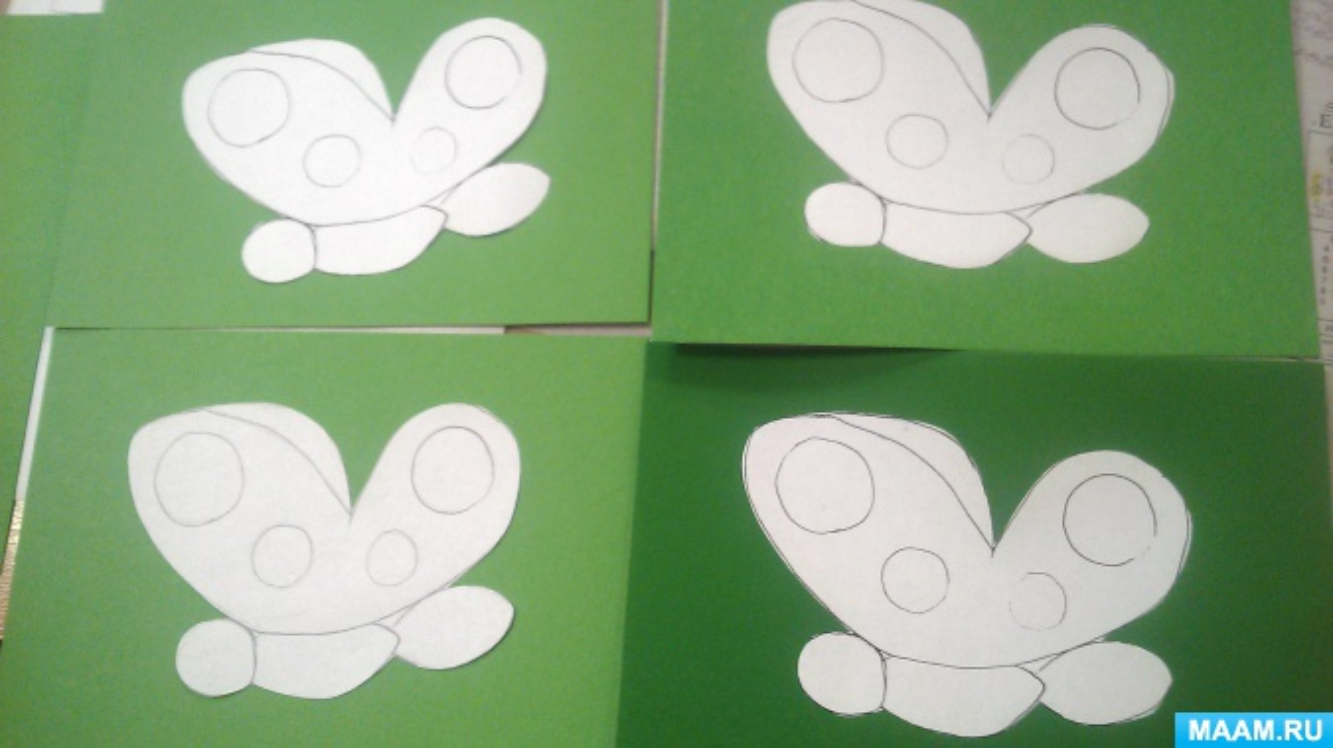 Конспект занятия в средней группе по лепке «Волшебные бабочки»