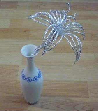 Мастер-класс «Серебряные лилии» (цветы из фольги своими руками)