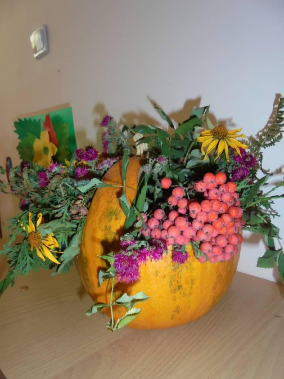 Выставка осенних поделок «Осенние дары» (фотоотчет)
