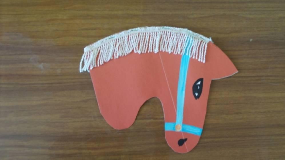 Как сделать лошадь на палке из картона