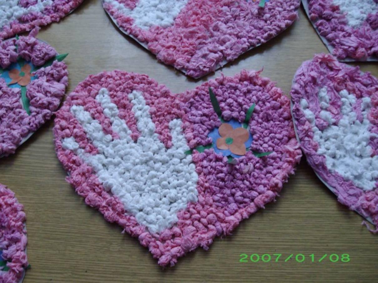 Открытка ко дню матери сердечком с салфетками