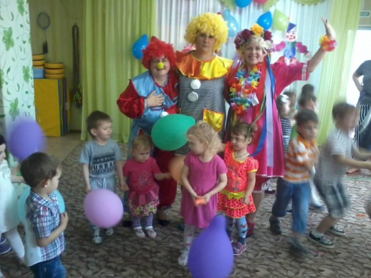 Фото-отчёт о проведении летнего праздника «Путешествие с воздушными шарами»