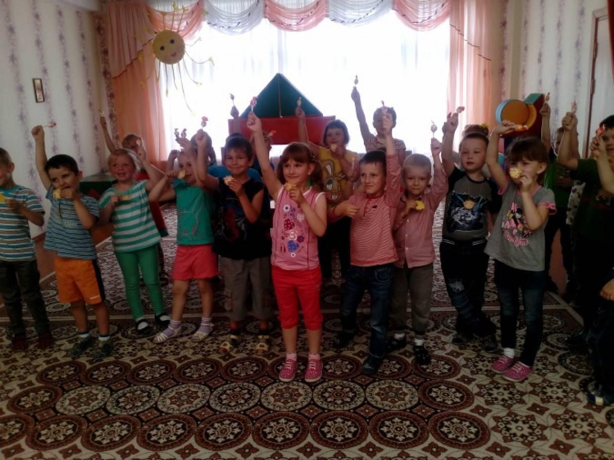 Развлечение «Здравствуй, лето краснощёкое» для детей среднего дошкольного возраста