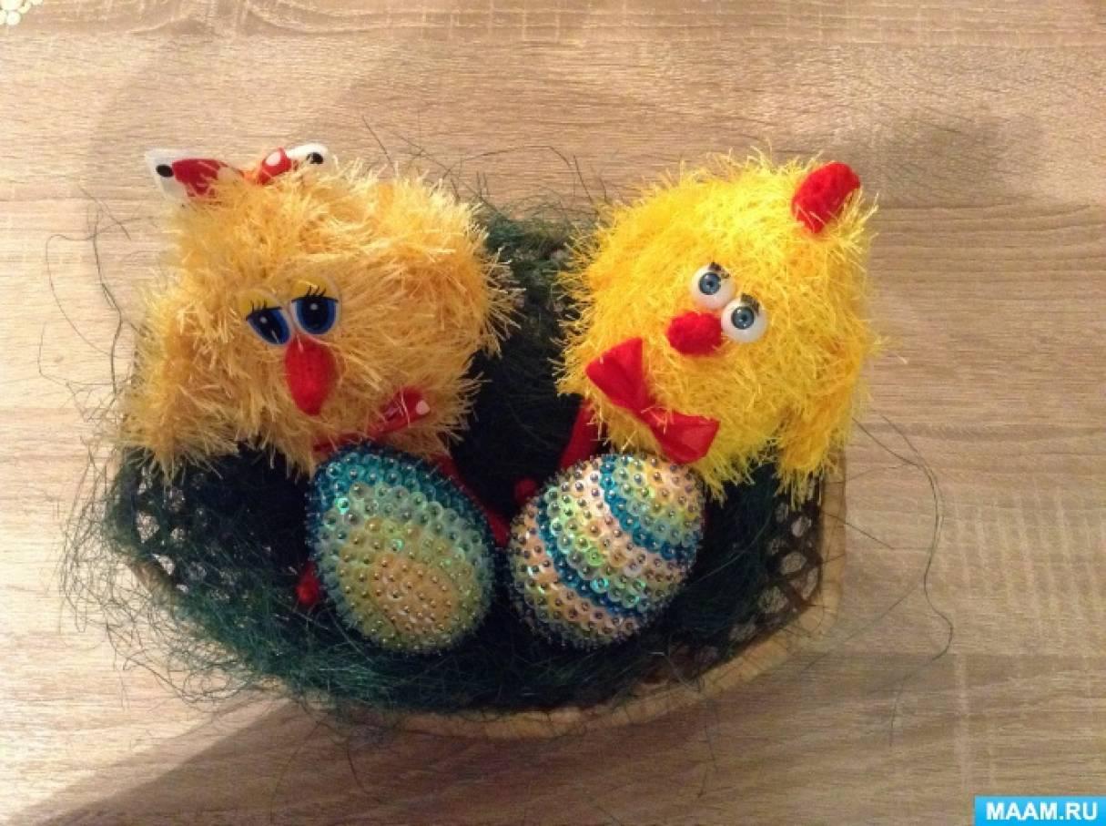 Пасхальное яйцо из пенопласта, украшенное паетками. Мастер-класс