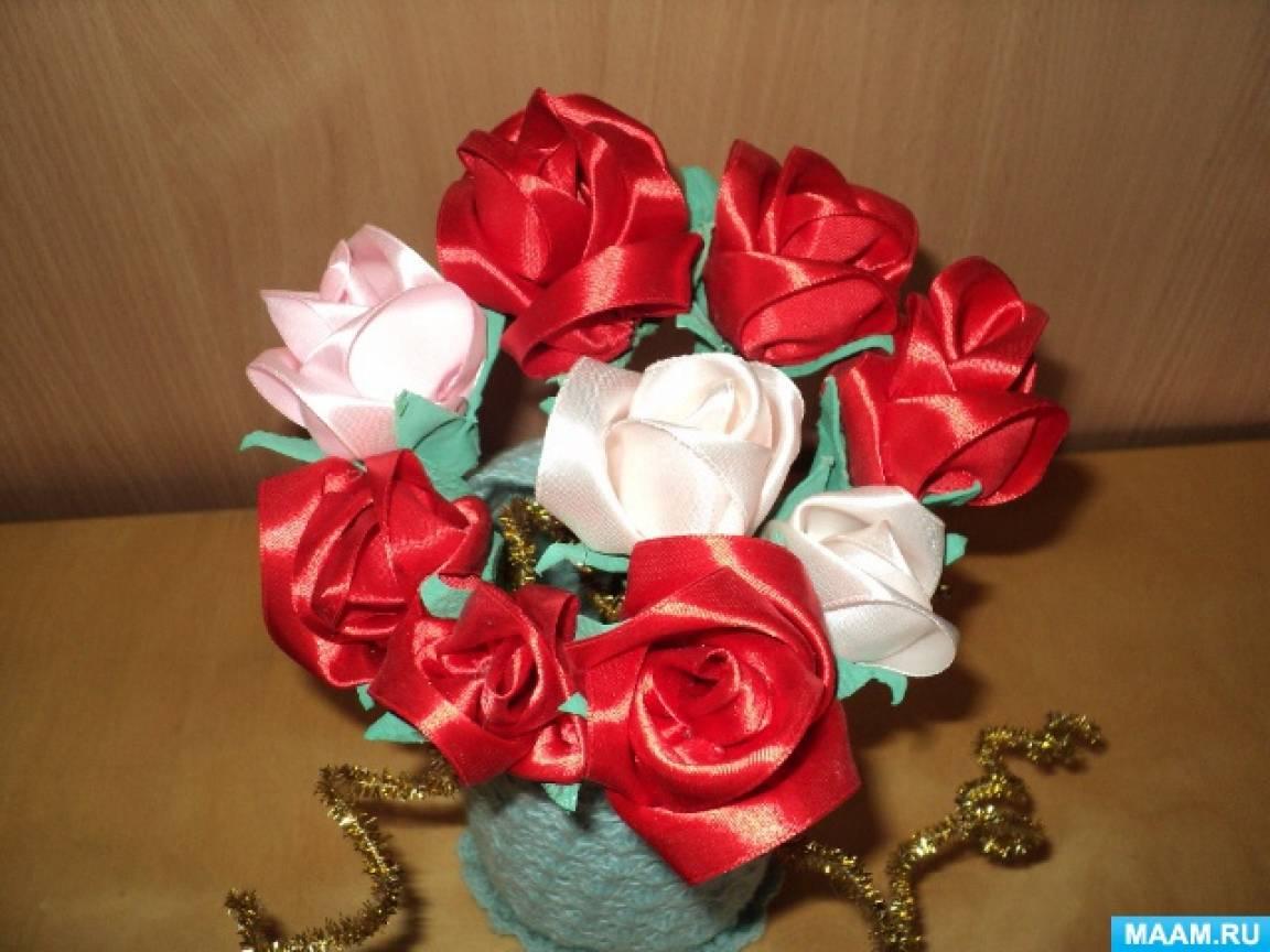 Мастер-класс «Роза» из атласной ленты и картонной ячейки для яиц