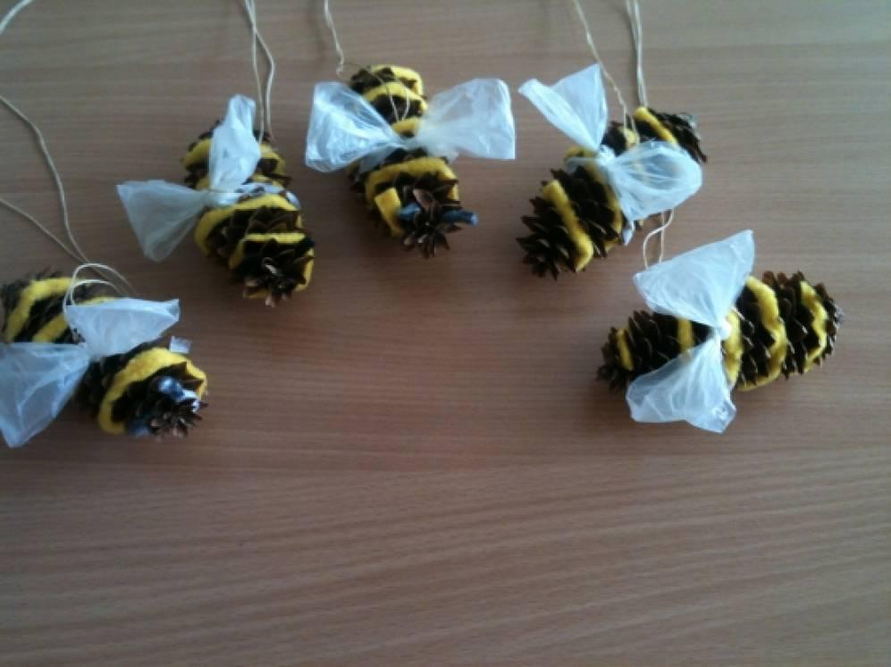 Пчёлки из бросового материала своими руками