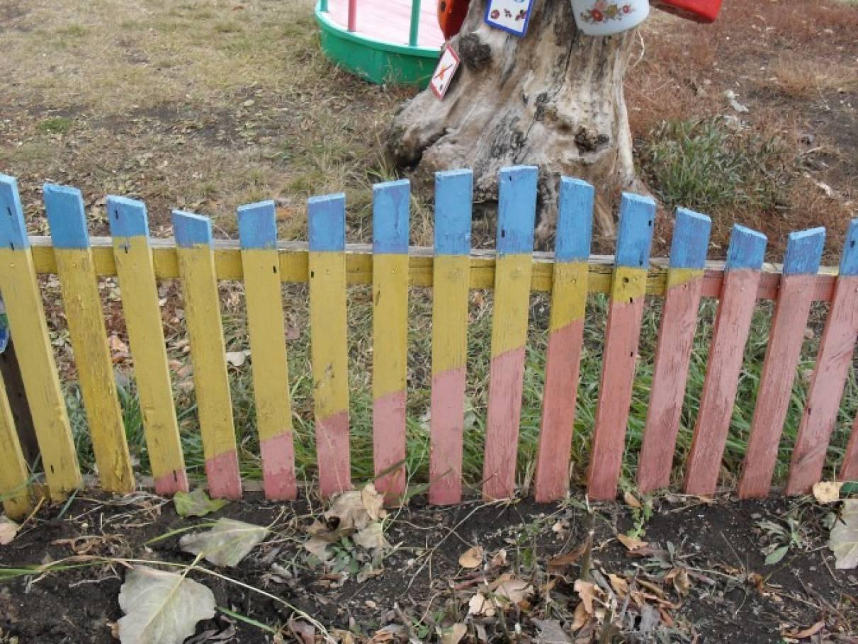 Оформление детского сада. Постройки на участке