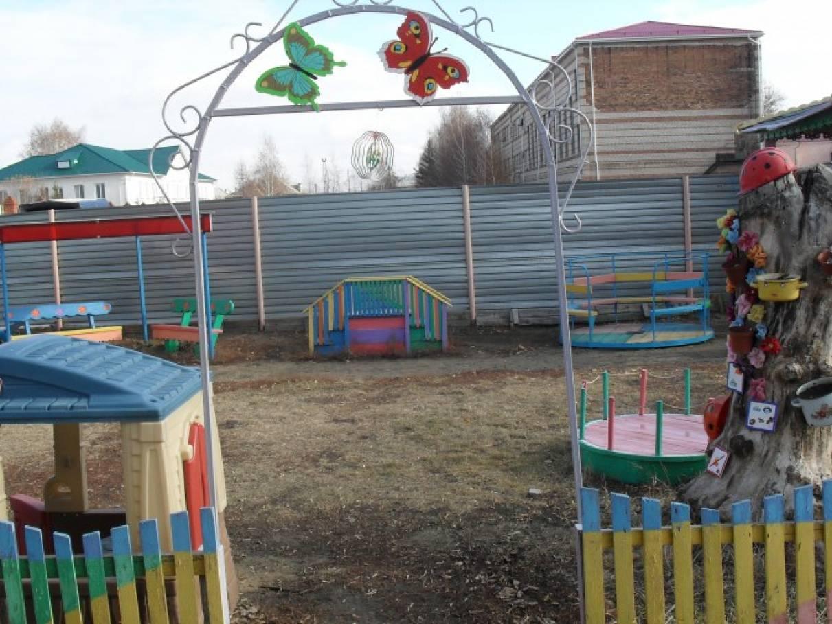 Постройки для участка детского сада своими руками 41