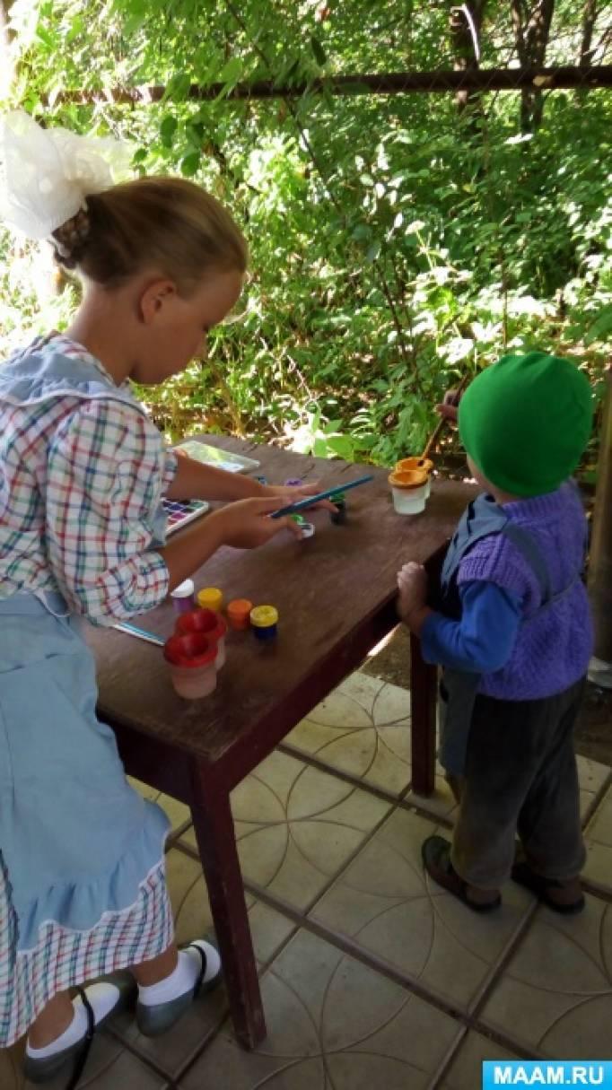 Фотоотчет о рисовании-экспериментировании в семейном детском саду «Ракета»
