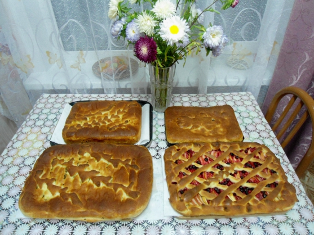 Щедрый вечер ждем— пироги печем!