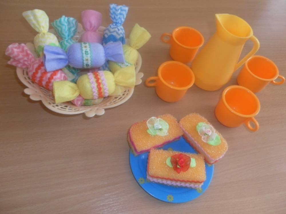 Женщине предметы заместители в детском саду ногтевого