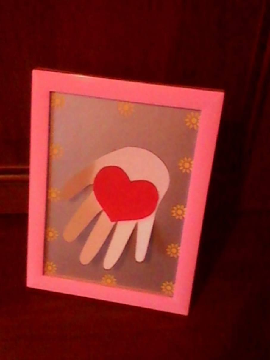 Пасхой, открытки для мамы ладошки с сердечками