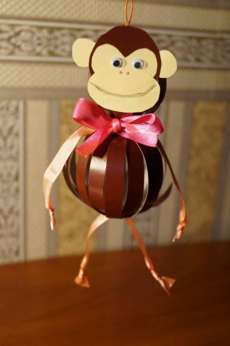 большая елочная игрушка год обезьяны своили руками все еще можно