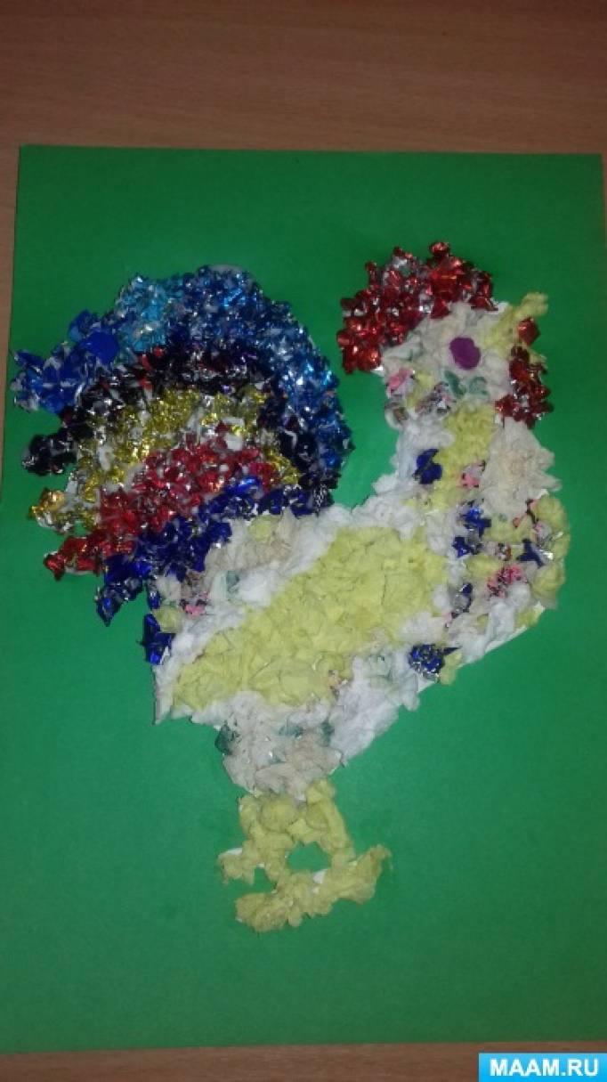Детский мастер-класс по коллективной работе «Петушок из салфеток и фантиков»