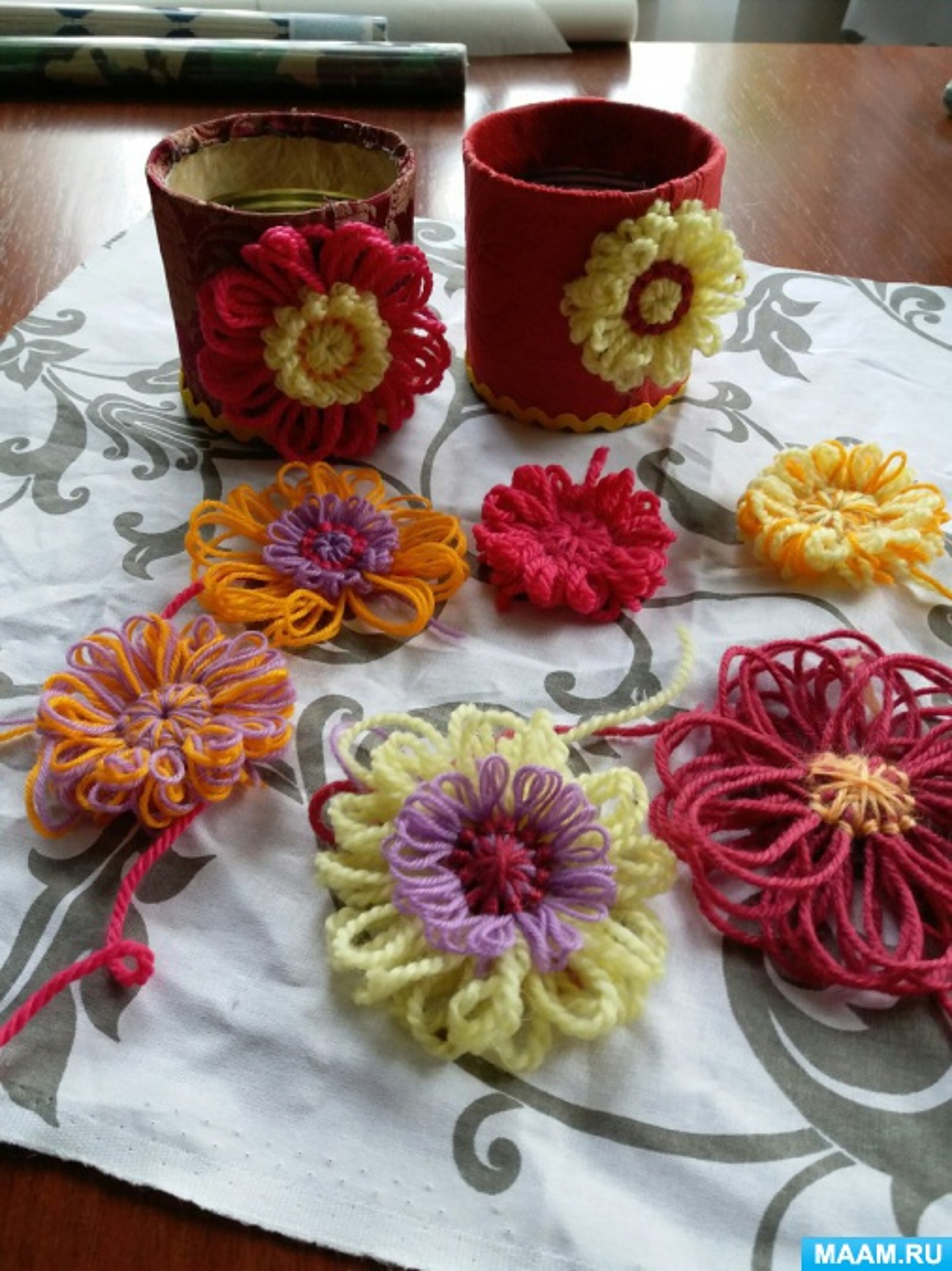 Мастер-класс «Карандашница, декорированная цветами из ниток»